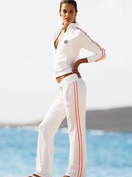 B Фото - Брендовые Спортивные костюмы для девушек NIKE and ADIDAS